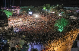 An aerial view of the crowd gathered at Alimas Carnival area on Saturday night. PHOTO: NISHAN ALI / MIHAARU