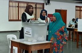 A voter casts her ballot during the presidential election of September 23, 2018. PHOTO: AHMED NISHAATH