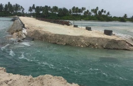 The causeway between Hoadedhdhoo and Madaveli, broken up by the residents of the former amidst strong waves breaking around the island due to lack of proper water flow between the islands. PHOTO/FACEBOOK