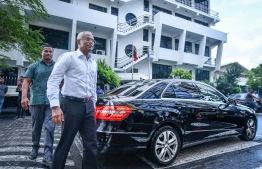 President-Elect Ibrahim Mohamed Solih on his way to meet the staff of Maldives Customs Service, post his victory in the Presidential Election 2018. PHOTO: NISHAN ALI/MIHAARU
