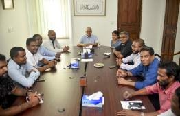 Former President Maumoon Abdul Gayoom meeting with the ousted12 parliamentarians. PHOTO: AHMED NISHAATH /  MIHAARU