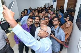 President-Elect Ibrahim Mohamed Solih snaps a few 'selfies' with the staff of Mihaaru Media Family. PHOTO: MIHAARU