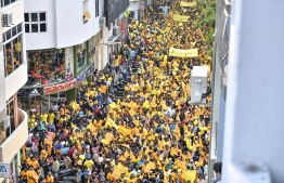 November 1, 2018, Male City: Supporters flood the streets of the capital to welcome former President Mohamed Nasheed upon his return to Maldives after 3 years. PHOTO: NISHAN ALI/MIHAARU