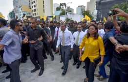 November 1, 2018, Male City: Former President Mohamed Nasheed (C) accompanied by his wife Laila Ali (R) and leaders of the opposition coalition, arrive at Artificial Beach upon his return to Maldives after 3 years. PHOTO: AHMED NISHAATH/MIHAARU