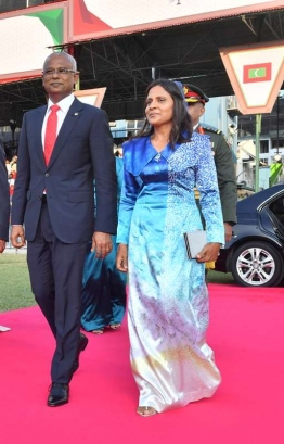 President Ibrahim Mohamed Solih and First Lady Fazna Ahmed arrive at Galolhu Stadium for the Oath Taking Ceremony. PHOTO: MIHAARU
