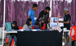 Collective stall between artist Eenas Ahmed and 'Sam's Imolara' during the 5-year anniversary show of 'Fannuge Dharin'. PHOTO: AHMED NISHAATH/MIHAARU