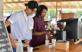 'Meraki Coffee Roasters' roasting away during the 5-year anniversary show of 'Fannuge Dharin'. PHOTO: AHMED NISHAATH/MIHAARU