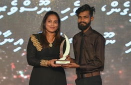 Nazim Hassan wins Most Promising Journalist Award / PHOTO: MIHAARU