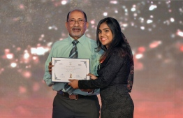 Aminath Layaal Manik (Channel 13) wins Video Journalism Award / PHOTO: MIHAARU