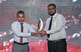 Hussain Habeeb (Avas) wins Journalism Award for Sports Category / PHOTO: MIHAARU