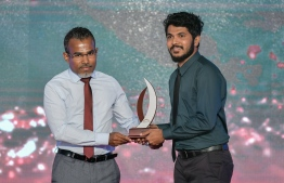 Azzam AliFulhu (Mihaaru) wins Journalism Award for Sports Category / PHOTO: MIHAARU