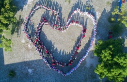 Inspiring human heart formations, along with Tiny Hearts. PHOTO: TINY HEARTS MALDIVES