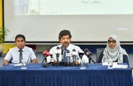 Custom's Commissioner General Ahmed Noomaan at a press briefing. PHOTO: HUSSAIN WAHEED/MIHAARU