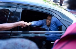 President Abdulla Yameen Abdul Gayoom on the way to the police headquarters. PHOTO CREDITS: HASSAN AMIR/ MIHAARU