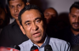 Former President Yameen speaks to press after signing graft statements. PHOTO: HUSSAIN WAHEEDH/ MIHAARU