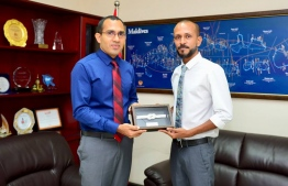 Minister of Communication, Science and Technology Mohamed Maleeh Jamal and Vice President of the National Boating Association of Maldives (NBAM). PHOTO: MIHAARU NEWS