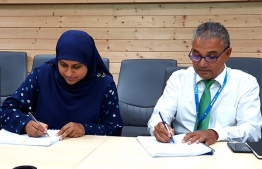 During the signing ceremony to award the harbour development project of AA.Himandhoo to MTCC. PHOTO/PLANNING MINISTRY