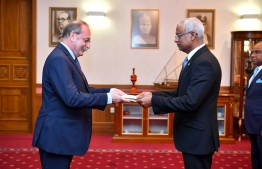 Ambassador-Designate of France Eric Lavertou presents credentials to President Ibrahim Mohamed Solih. PHOTO/PRESIDENT'S OFFICE