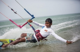 Kitesurfer Hassan Mahir (Hantey) carving on the surface. PHOTO: MOHAMED AHSAN / RED BULL