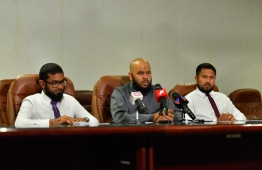 Senior Officials of Ministry of Islamic Affairs during the press conference announcing the companies given authorisation for 2019's Hajj pilgrimage. PHOTO: HUSSAIN WAHEED / MIHAARU