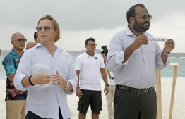 Minister Ali Waheed taking draws for resorts. PHOTO:  HAWWA AMAANY ABDULLA / THE EDITION