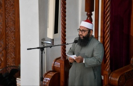 June 4, 2019, Male' City: The Imam gives the special Eid sermon on the morning of Eid al-Fitr. PHOTO: HUSSAIN WAHEED / MIHAARU