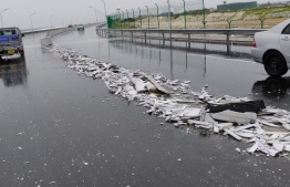 A segment of the divider on the highway, which connects Sinamale Bridge to Hulhumale, is destroyed following an accident.