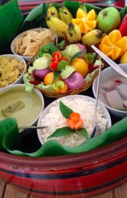 Image depicting a cultural feast, traditional food served in a lacquer container called 'Malaafaiy'. IMAGE: FACEBOOK