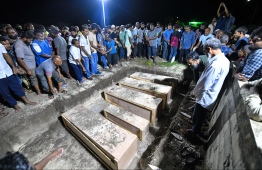 During the funeral held in HDh.Hanimaadhoo for the five victims who lost their lives after the speedboat they were travelling in capsized in late August 2019. PHOTO: HUSSAIN WAHEED / MIHAARU