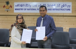 Ministry of National Planning and Infrastructure awarding a harbour development project to Sri Lankan firm Senok Trade Combine Ltd at Molhadhoo, Haa Alif Atoll. PHOTO: PLANNING MINISTRY