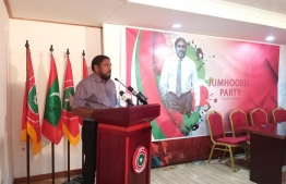 Qasim Ibrahim speaks at the ceremony held September 15, 2019, to sign on new members to Jumhooree Party. PHOTO/JP