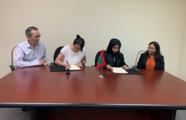 Representatives sign the agreement contracting the development of Male' North Habour and the masterplan for Gulhifalhu, Kaafu Atoll to a Singaporean company at the Maldivian Embassy in Singapore. PHOTO: MINISTRY OF NATIONAL PLANNING AND INFRASTRUCTURE