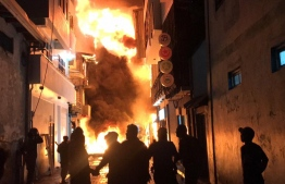 Fire breaks out in Henveiru ward and spread to neighbouring houses from the point of origin in the narrow road.