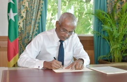 President Ibrahim Mohamed Solih ratifies the new Bill on Protection of Whistleblowers. PHOTO/PRESIDENT'S OFFICE