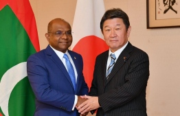Foreign Minister Abdulla Shahid (L) meets the Japanese Foreign Minister Motegi Toshimitsu. PHOTO/JAPAN FOREIGN MINISTRY