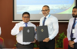 Environment Ministry contracts MTCC to procure a landfill compactor for K.Thilafushi. PHOTO/ENVIRONMENT MINISTRY