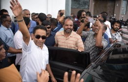 Former President Abdulla Yameen Abdul Gayoom waving to his supporters prior to his verdict delivered on November 28. PHOTO: HUSSAIN WAHEED/ MIHAARU