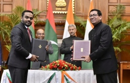 Elections Commission (EC) of Maldives and Election Commission of India signing an MoU to improve cooperation in certain areas. PHOTO: ELECTIONS COMMISSION
