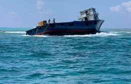 Dhoani agrounded in Kagi, north Male' atoll